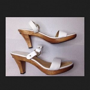 Michael Kors Sandals Mules Clogs White Wood Heel 9
